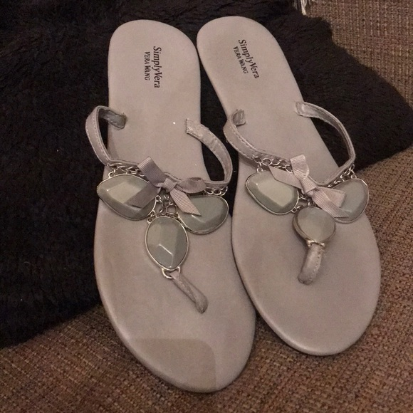 Vera Wang Shoes - Simply Vera wang sandals 9/10 lightly worn
